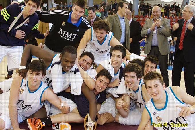 VIVE EL BASKET CON EDUARDO BURGOS  Real Madrid se corona Campeón ... 7fadcf3e588