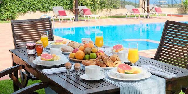 πρωινό, όταν είμαι διακοπές
