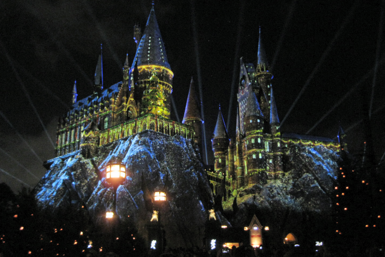 The Magic of Christmas at Harry Potter Universal Studios