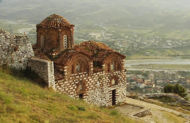 Restoration of the frescoes in the dome of the Church of St. Triad in Berat