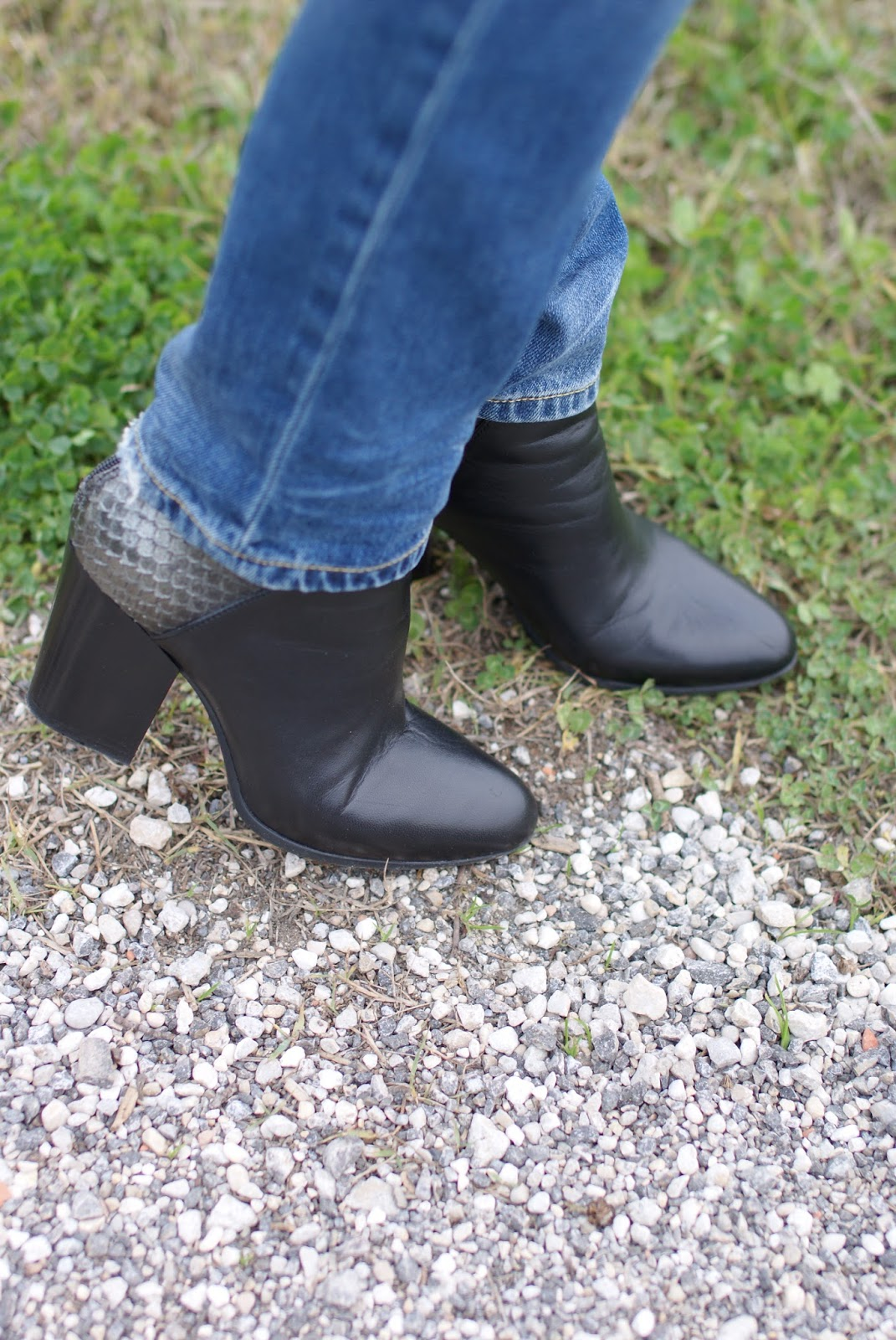 Lorenzo Mari ankle boots on Fashion and Cookies fashion blog, fashion blogger style
