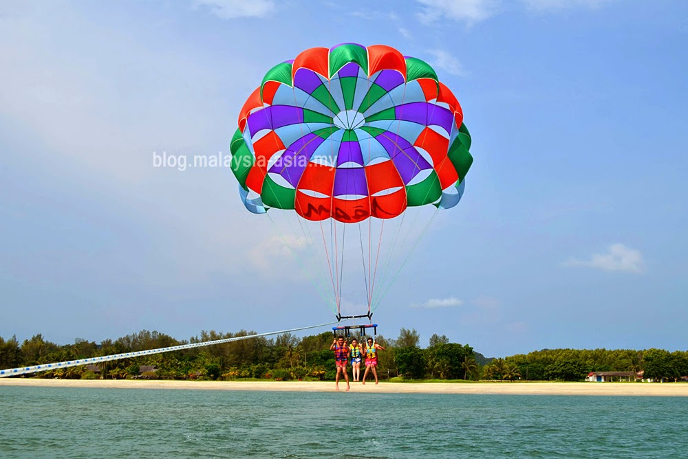 Parasailing with Naam Adventures and Tours