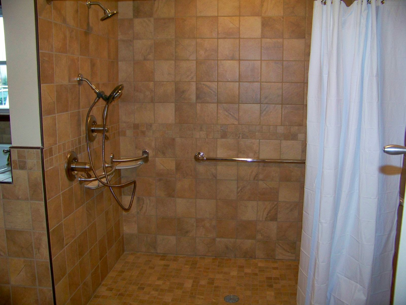 Super 4 Ways To Make A Shower Accessible Essential Luxuries By Home Interior And Landscaping Mentranervesignezvosmurscom