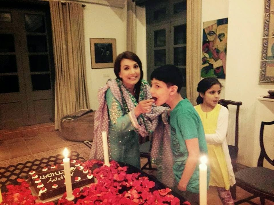 Reham Khan Celebrated Her 1st Birthday After Marriage With Dashing And Charming Husband Imran Daughter Son Here Are Some Pictures Of