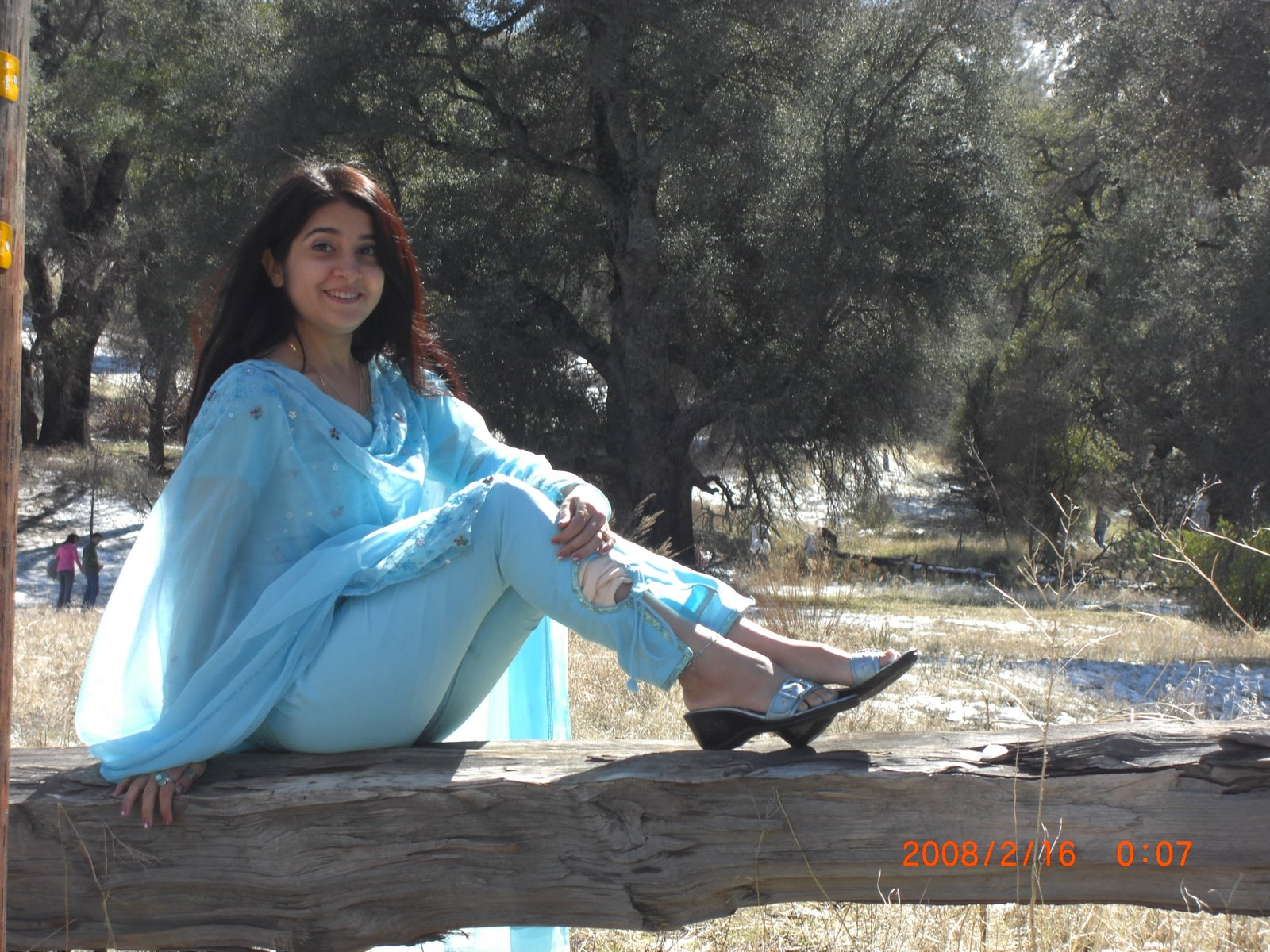 Actress Hot Wallpaper  Celebs Wallpaper 2012 Pakistan -7716