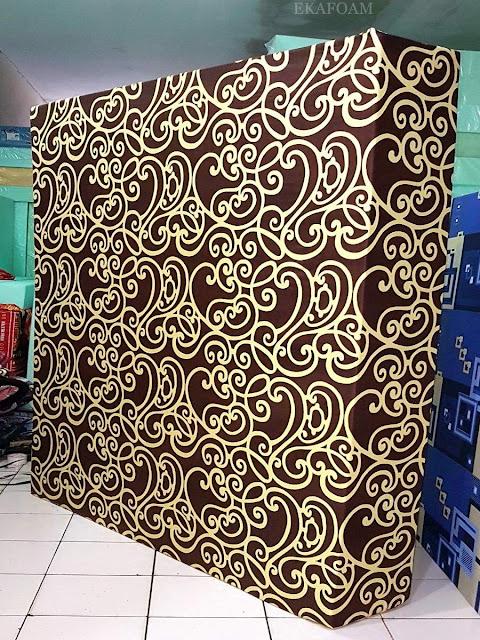 Kasur inoac motif batik coklat teralis