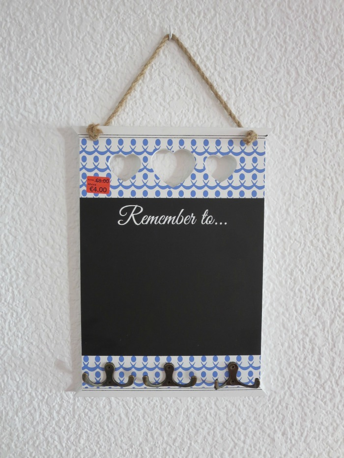 Primark Chalkboard & Key Hanger: 4€