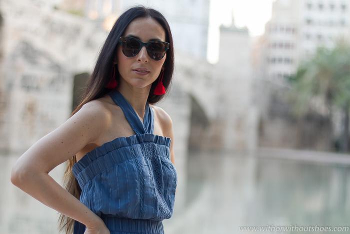 Blogger influencer con ideas de look con mono para vestir verano paseo oficina y fotos bonitas en Valencia