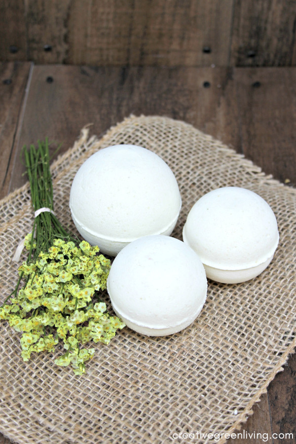 This homemade bath bomb recipe is inspired by the Lush bath bomb recipe for AvoBath.It uses fresh avocado and essential oils to make a yummy lush inspired DIY bath bomb. This is one of the best bath bomb recipes for your skin! Learn how to make bath bombs where you can customize the scents and colors. #creativegreenliving #bathbombs #lush #lushbath #lushaddict #lushlife #lushcosmetics #bathbombrecipe #DIYbeauty