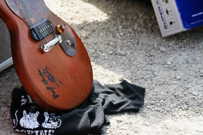 Guitare signée