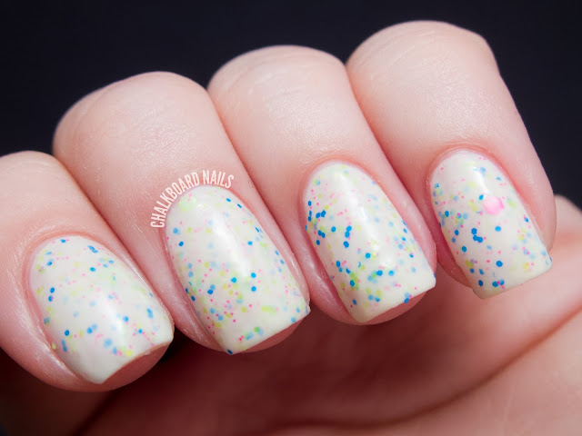 Chalkboard Nails: Pretty and Polished Popples