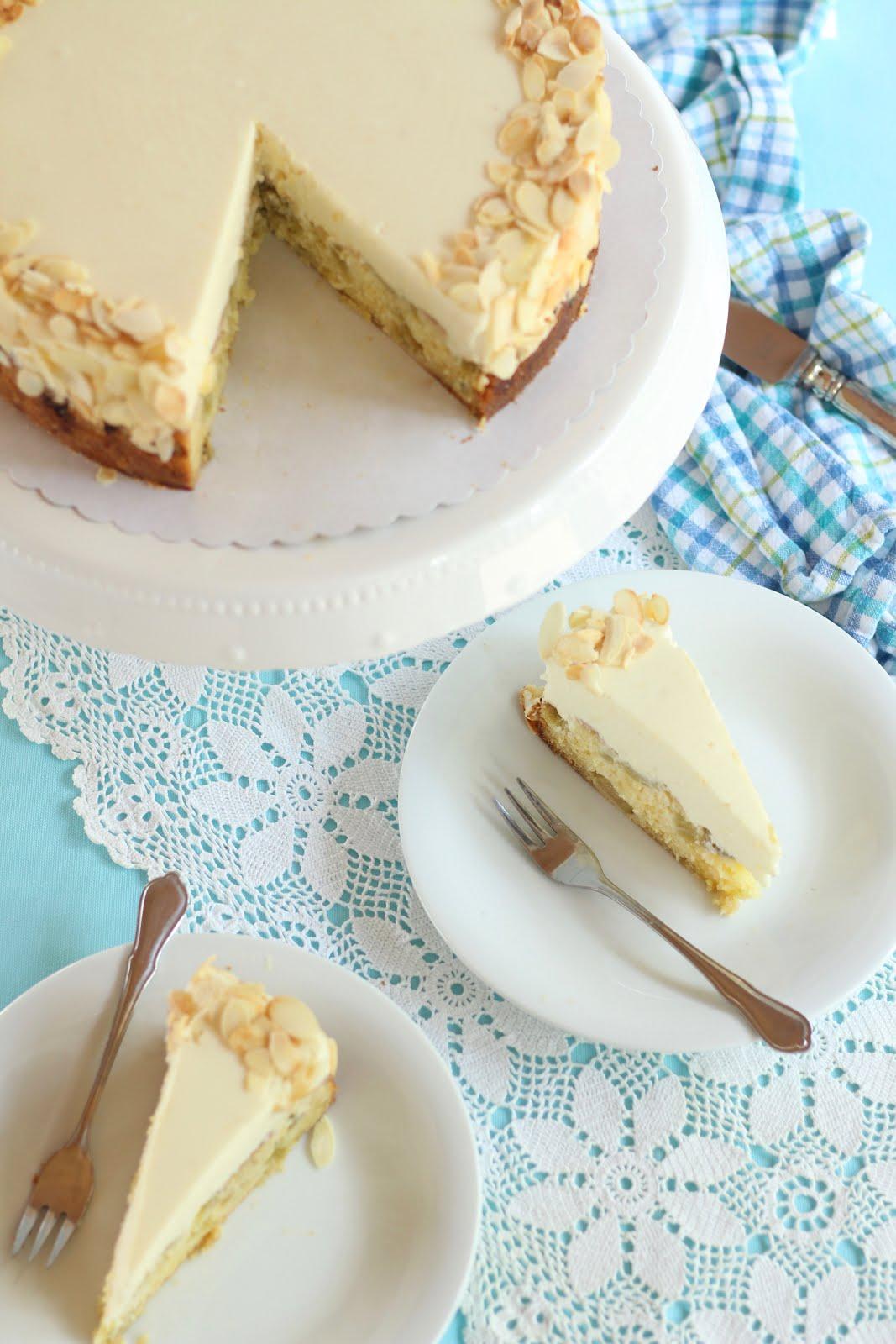 Super cremige, schnelle Rhabarber-Marzipan-Torte | Rezept von Sugarprincess