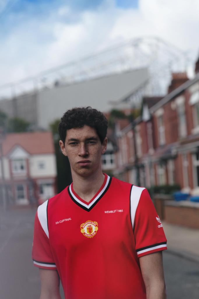 adidas originals manchester united retro
