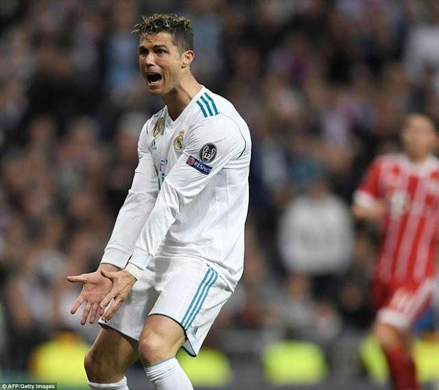 """Giải mã Ronaldo """"tịt ngòi"""": Tặng nhẫn 20 tỷ VNĐ, chuẩn bị siêu đám cưới 1"""