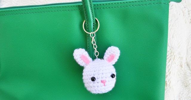 2000 Free Amigurumi Patterns: Rabbit Keychain