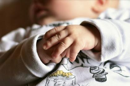 Bunda, Ini Dia Cara Efektif Menghilangkan Biang Keringat pada Bayi