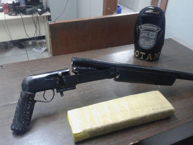 ROTAM apreende drogas e armas