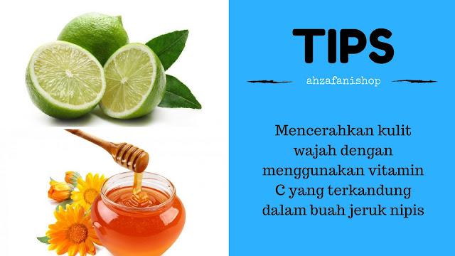 Mencerahkan kulit wajah dengan menggunakan vitamin C yang terkandung dalam buah jeruk nipis