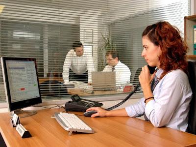 ΓΙΑΝΝΕΝΑ-Τουριστικό γραφείο επιθυμεί να προσλάβει υπάλληλο γραφείου και οδηγό τουριστικού λεωφορείου
