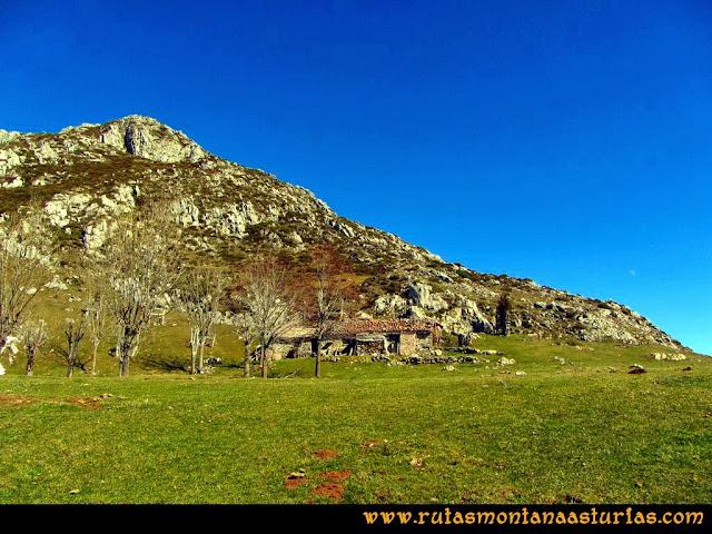 Ruta al Pico Pierzu: Majada Cerboes