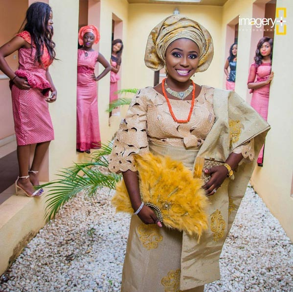 Aww! Check out this bride's pre-wedding shoot