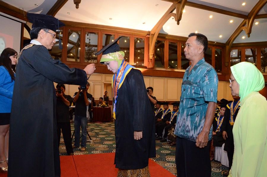 Universitas Terbuka Semarang 2013 Universitas Terbuka Semarang Seputar Semarang Universitas Pandanaran Semarang Wisuda Xiii Unpand Tahun 2013