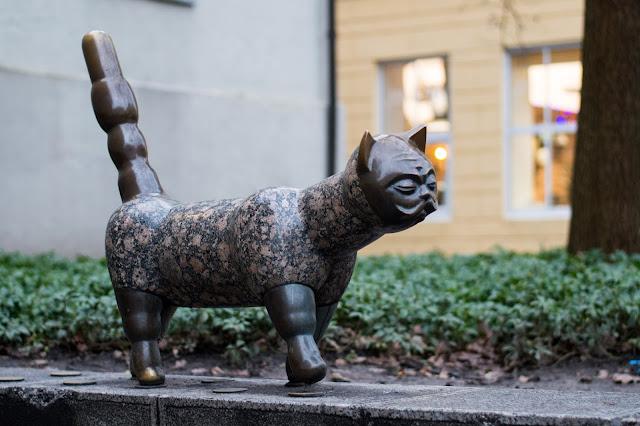 "Kłajpeda; Litwa; Lietuva; Klaipeda; Lithuania;""Katinas džentelmeno veidu""; katinas; kot; cat"