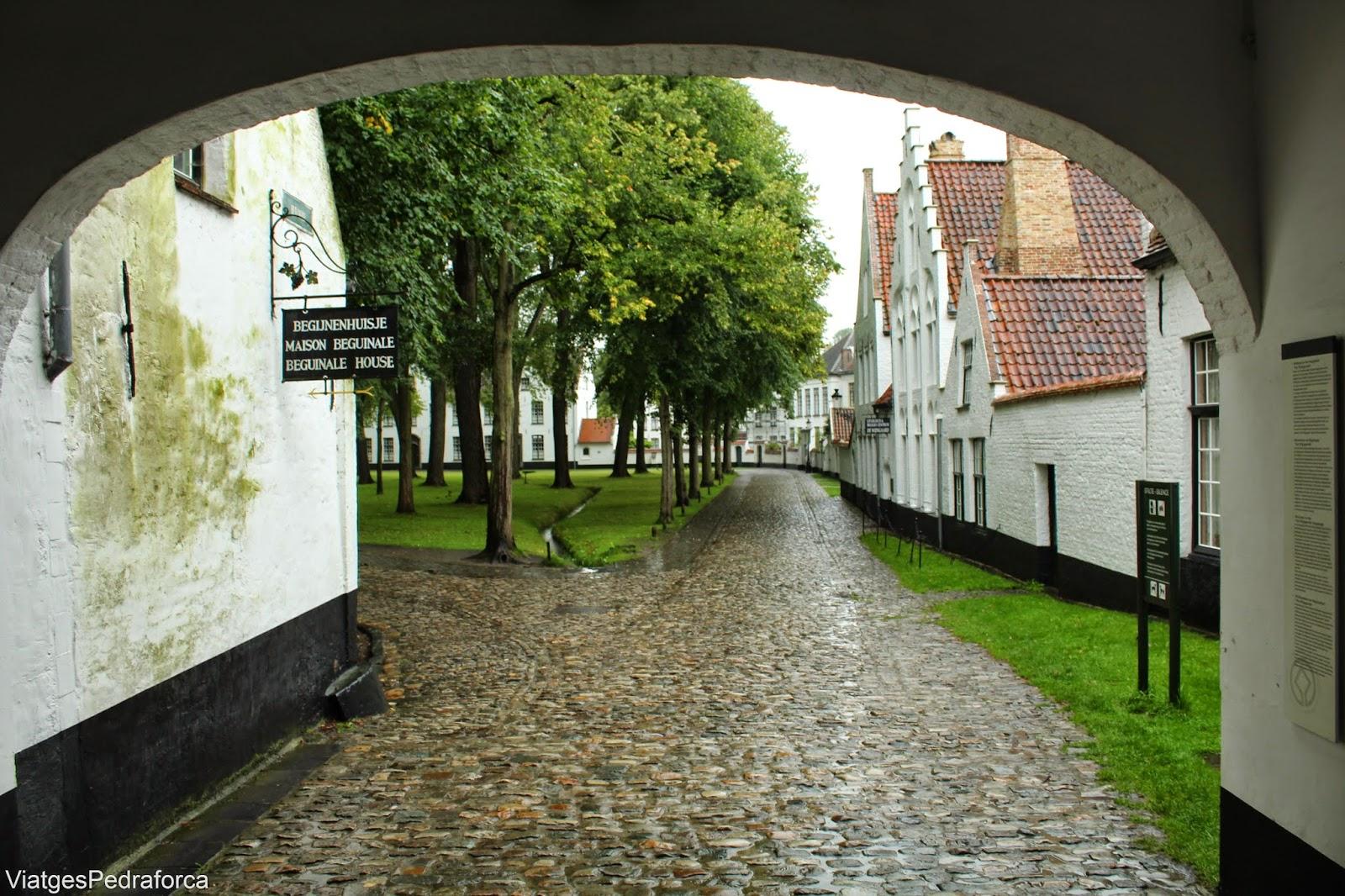 Begijnhof de Bruges, Brugge, Flandes, Belgica