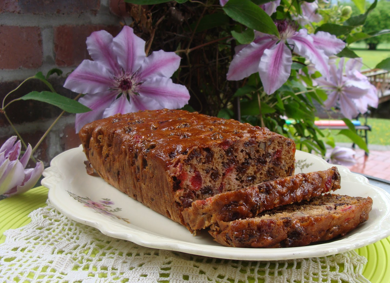This Fruit Filled Loaf Is Not A Traditional Boston Brown Bread But It S What My Aunt Emmy Called When She Shared The Recipe With Me Years Ago