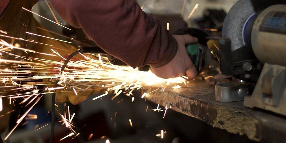 Las remuneraciones crecen en la Industria, pero Construcción y Servicios pagan como hace 5 años