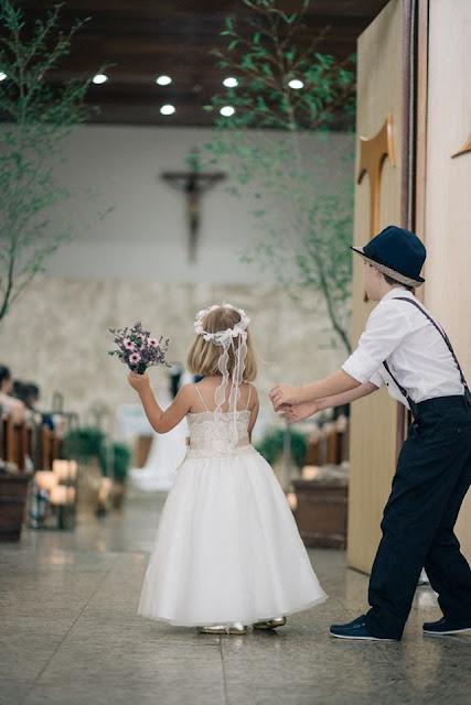 casamento real, sandra e renato, entrada da dama, entrada do pajem