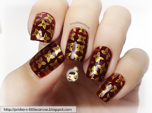 Simple Stamping: Gold floral nails