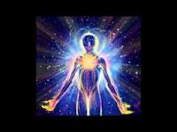 La Lumière-Divine déploie et dilue PAR L'Energie De Vie La Conscience ! Elle utilise « L'Energie De Vie » pour étendre, augmenter et développer « La Conscience Universelle », qui sans cesse s'incarne et se réincarne sur « Cette Voie Etendue »