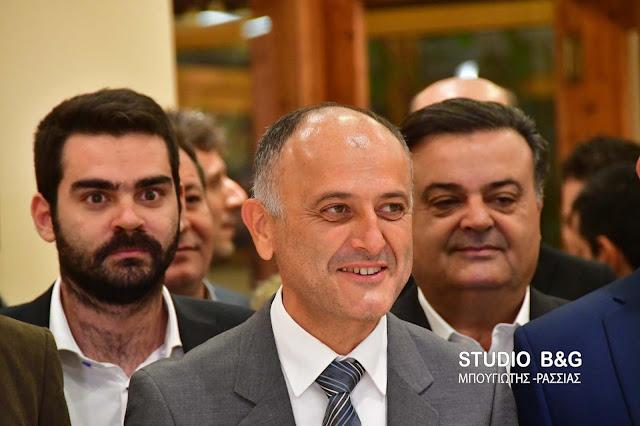 Ο Θοδωρής Βασιλόπουλος παρουσίασε το ψηφοδέλτιο του (βίντεο)