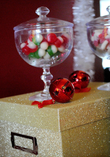 Last minute Christmas party ideas over at www.fizzyparty.com