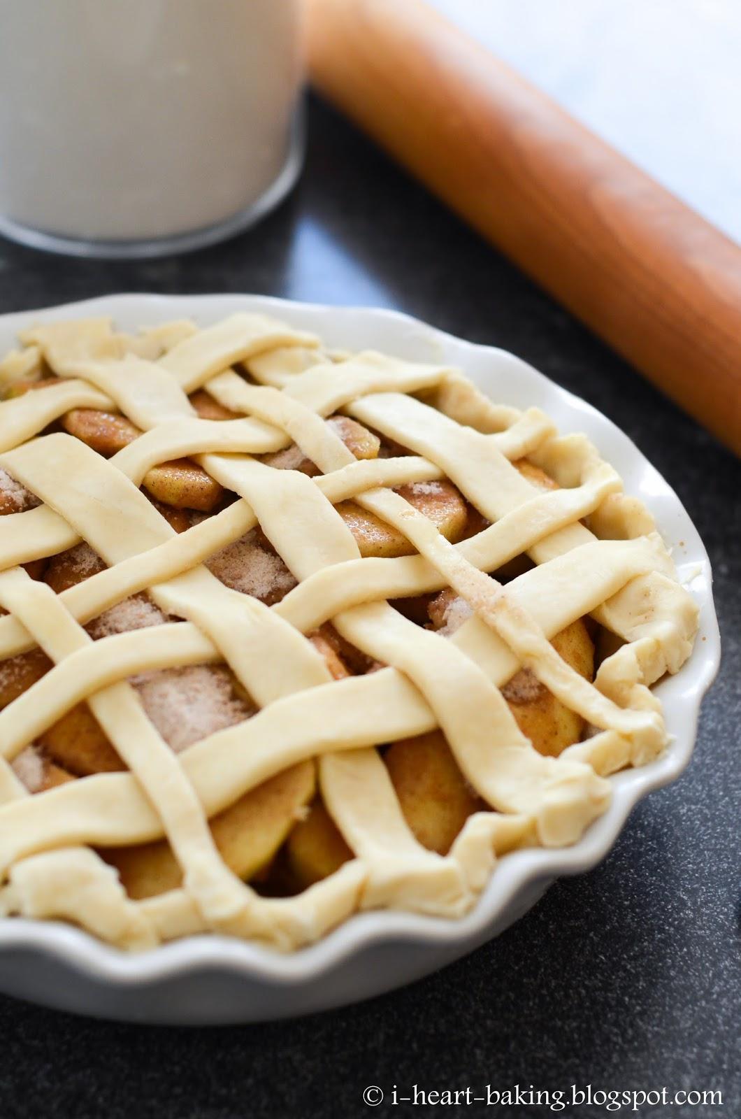 i heart baking!: lattice apple pie with braided crust
