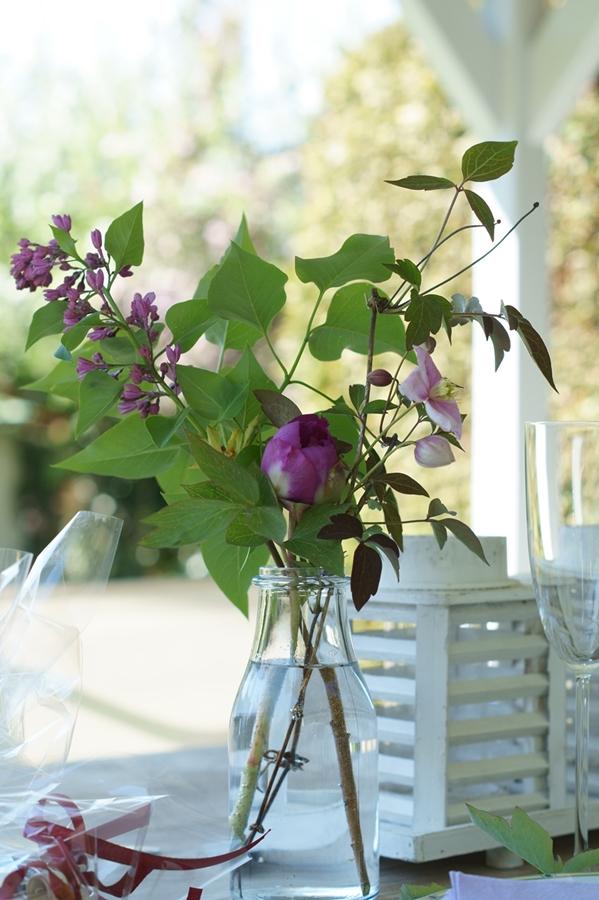 Blog + Fotografie by it's me! | fim.works | Muttertagsblumen aus dem Garten | Flieder, Clematis, Päonie