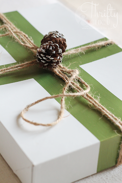 DIY Christmas wrapping idea using plain old white boxes! Transform those plain old white boxes into something beautiful!