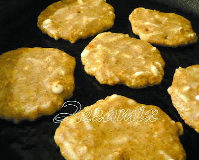 Pečenje u tavi  pogačica od tikvica i sira