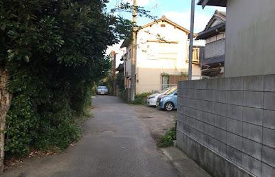 矢指ヶ浦温泉館へのアプローチ