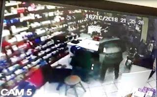 Homens armados assaltam duas farmácias