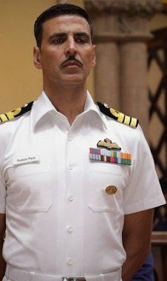 akshay-kumar-auctions-rustom-uniform-to-raise-funds