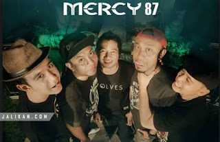 Lirik, video dan MP3 Lagu Api Cemburu Mercy Band