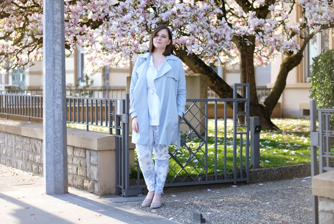 spring pastel outfit magnolia tree luxembourg