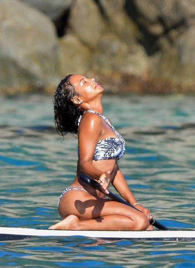 Christina Milian Looks Hot in Bikini