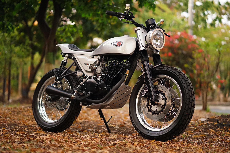 Kawasaki W175 Flat Tracker