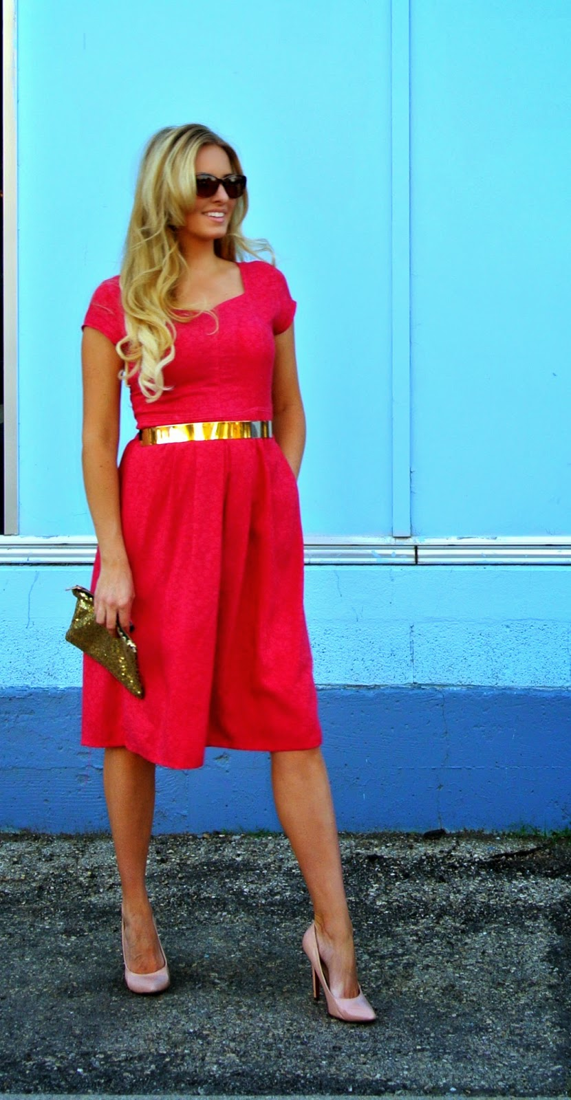 Blog about thrifting and refashioning.  Her entire outfit costs less than $30.Red dress with gold accessories. #tagsthrift