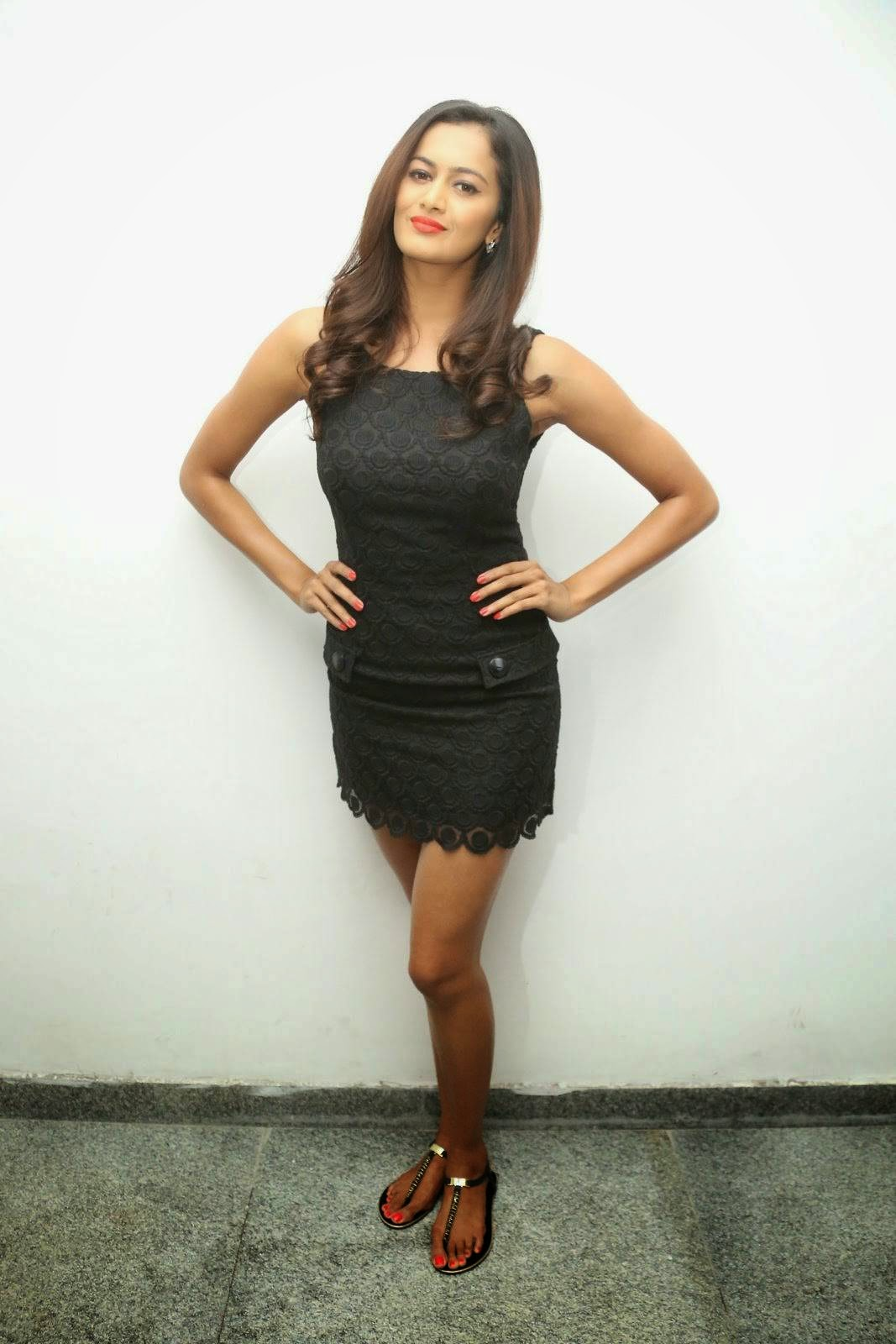 Shubra Aiyappa Photo Gallery with no Watermarks, Shubra Aiyappa Sexy Hot Figure images in Black Dress