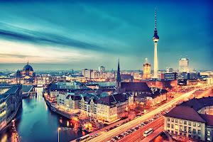 paket tour eropa muslim ke Berlin Jerman