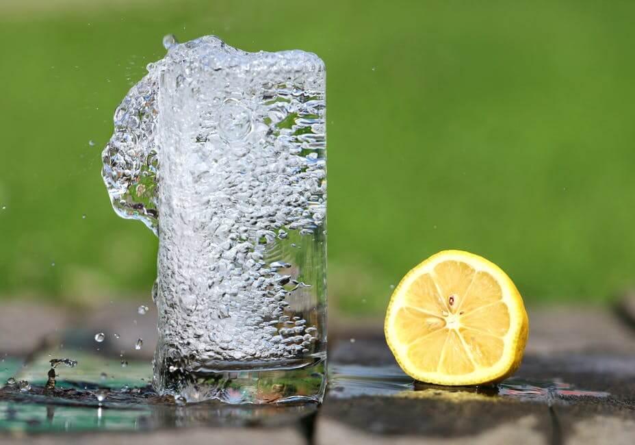 فوائد الماء|17فائدة مزهلة لشرب الماء البارد والساخن للجسم
